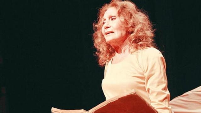 Son dakika... Ünlü tiyatrocu Yıldız Kenter hayatını kaybetti