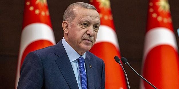 """Cumhurbaşkanı Recep Tayyip Erdoğan, Cuma namazı sonrası basına açıklamalarda bulundu. Erdoğan'ın açıklamalarından bazı başlıklar şöyle:""""-Çin'den aldığımız a'şıların dışında bizim Çin ile yaptığımız ilk anlaşma 100 milyon fazdı. Bunun ilk etabı 50 milyon fazdı."""