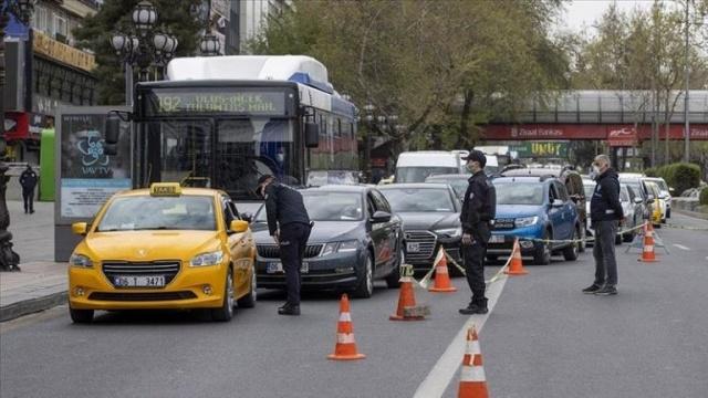 Aracı Olan Herkesi İlgilendiriyor Arabası olan herkesi ilgilendiriyor. 1228 TL ceza verildi. Aman Dikkat ! Ayrıntılar.. Ayrıntılar Haberin Devamındadır…