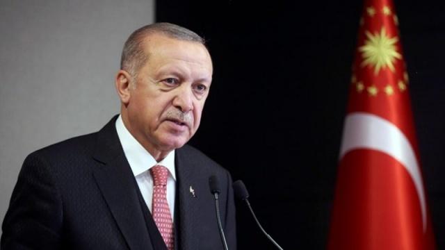 Cumhurbaşkanı Erdoğan'dan şimdi açıkladı.. Pandemiden etkilenen işletmelere bir yardım daha geliyor.. Lokanta, restoran ve kafe gibi sektörlerde alınan tedbirler nedeniyle faaliyetleri kısıtlanan gelir kaybı yaşayanlara destek ödemesi yapılacak. İşte detaylar..