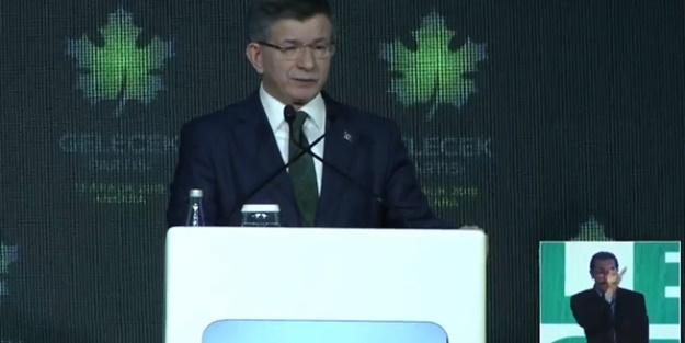 AK Parti'den ayrıldıktan sonra parti kurma çalışmalarına yönelen Ahmet Davutoğlu'nun ekibi dün İçişleri Bakanlığına dosyalarını vererek 'Gelecek Partisi' için başvuruda bulunmuştu.