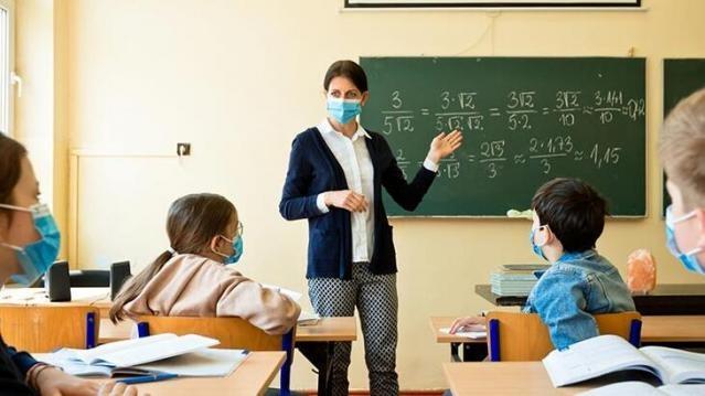 Milli Eğitim Bakanı Ziya Selçuk, yüz yüze eğitime geçiş süreciyle ilgili ayrıntılarını açıkladı. Bakan Ziya Selçuk'un açıklamalarından öne çıkan ifadeler: