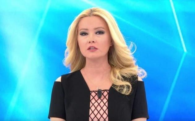 ATV'nin fenomen programına imza atan Müge Anlı, canlı yayın konuğuna söylediği sözler nedeniyle gündeme yine b-om-ba gibi düştü.