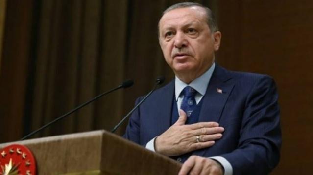 Cumhurbaşkanı paketi imzaladı Başkan Erdoğan'dan Tüm Türkiye'yi Sevindi'ren İmza Başkan Recep Tayyip Erdoğan'ın açıkladığı AK Parti seçim beyannamesi bir bir hayata geçecek.