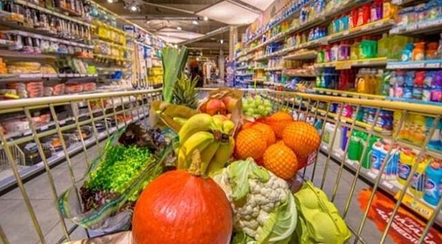BİM, A101, Migros, Şok ve CarrefourSA'ya rakip geliyor. Zincir marketlerdeki bazı ürünlerde ortaya çıkan fahiş fiyatlara karşı üreticiden tüketiciye doğrudan satış yapılan Tarım Kredi Kooperatifleri devreye giriyor. Erdoğan talimatı verdi ''ucuz marketlerin'' sayısı arttırılacak Cumhurbaşkanı Recep Tayyip Erdoğan'ın talimatıyla harekete geçen Tarım Kredi Kooperatifleri bu yıl sonuna kadar 180 olan market sayısını 500'e çıkaracak.
