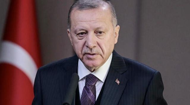 Yatırımcıların merakla beklediği ekonomi reform paketi yarın Başkan Recep Tayyip Erdoğan tarafından İstanbul'da kamuoyuna açıklanıyor. Reformun şeffaflaşma ve mali disiplin olmak üzere iki önemli ayağı olacak. Sabah'tan Eda Işık'ın haberine göre; Erdoğan'ın geçen hafta İnsan Hakları Eylem Planı'nı açıklamasının ardından gözler reformun ikinci ayağı olan Ekonomi Reform Paketine çevrildi. Reform paketi ile kamuda tasarruf politikalarının uygulamaya konulması, harcamaların denetlendiği bir sistemin kurulacağı belirtiliyor.