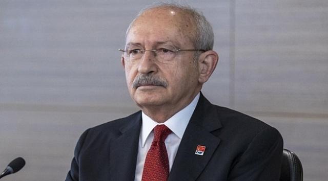 Kılıçdaroğlu'nun dillendirdiğin aday CHP içinde fikir ayrılıklarına neden oldu Meral Akşener mi, Erdoğan karşısında en çok oyu alan Mansur Yavaş mı yoksa Ekrem İmamoğlu mu tartışması sürüyor. Ancak Kemal kılıçdaroğlu'nun aklında bambaşka bir isim olduğu ortaya çıktı. Cumhurbaşkanlığı seçimlerine 2 yıldan fazla bir zaman varken Cumhurbaşkanı Recep Tayyip Erdoğan'ın karşısına