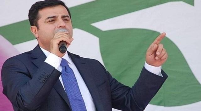 14 Ekim 2012 tarihinde Ankara'da BDP'nin 2. Olağanüstü Genel Kongresi gerçekleştirildi, 15 Ekim günü Halkların Demokratik Kongresi'nin (HDK) parti haline dönüştürülmesi ve BDP ile birleşmesiyle birlikte HDP kuruldu, eşbaşkanlıklarına Selahattin Demirtaş ve Figen Yüksekdağ seçildi.