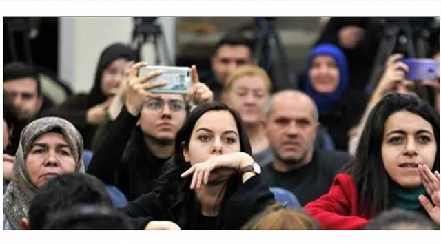 Aile Çalışma ve Sosyal Hizmetler Bakanlığı koordinasyonunda, devlet korumasından yararlanmış gençlerini engellilerin, şehit yakını ve gazilerin atama töreni Başkan Recep Tayyip Erdoğan'ın katılımıyla salı günü gerçekleştirilecek.Aile, Çalışma ve Sosyal Hizmetler Bakanı Zehra Zümrüt Selçuk'un geçtiğimiz günlerde ,