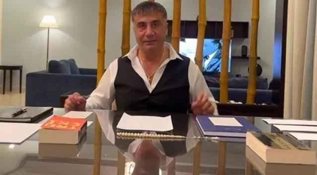 Organize Su* örgütü lideri olduğu belirtilen Sedat Peker'in İçişleri Bakanı Süleyman Soylu, Mehmet Ağar, Tolga Ağar ve çok sayıda kişiye ilişkin iddialarda bulunduğu videolar izlenme rekorları kırıyor.