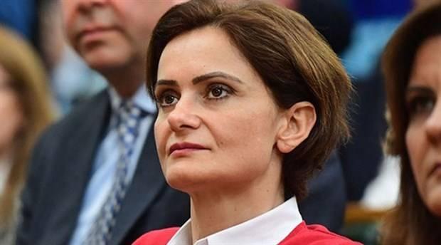 Cumhurbaşkanı Recep Tayyip Erdoğan, CHP İstanbul İl Başkanı Canan Kaftancıoğlu hakkında İstanbul Asliye Hukuk Mahkemesi'nde tazminat davası açtı. 'Cumhurbaşkanlığı koltuğunu işgal eden zat' gerekçesiyle açılan davada Erdoğan, 500 bin liralık manevi tazminat talebinde bulundu.Cumhurbaşkanı Erdoğan avukatı Ahmet Özel aracılığıyla İstanbul 10. Asliye Hukuk Mahkemesi'ne sunulan dava dilekçesinde, CHP İstanbul İl Başkanı Canan Kaftancıoğlu'nun Boğaziçi Üniversitesi'ne Prof. Dr. Melih Bulu'nun rektör olarak atanmasısonrasındaki gösterilere destek verdiği kaydedildi.TÜRK MİLLETİNİN İRADESİ HİÇE SAYILDI