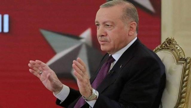Cumhurbaşkanı Tayyip Erdoğan vergi ve primler ile alakalı teşvik açıklaması gerçekleştirdi. Yeni işçi alanlara 1556 lira destek verileceğini söyleyen Erdoğan işçinin asgari ücret üzerinden prim ve tüm vergilerini devletin karşılayacağını duyurdu.