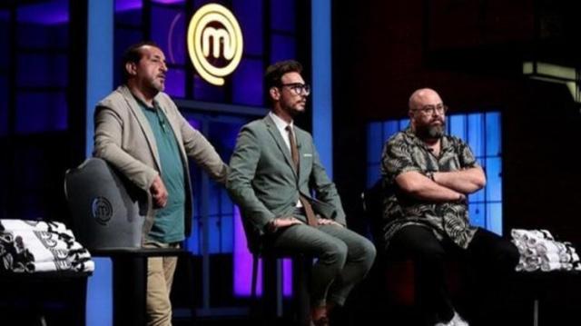 Somer Sivrioğlu, Danilo Zanna ve Mehmet Yalçınkaya'nın jüri koltuğunda oturduğu, Acun Ilıcalı'nın yapımcısı olduğu 'MasterChef Türkiye 2021'de üçlü düello heyecanı başladı. Şefler, sevilen yarışmadaki format değişikliğini açıkladı.