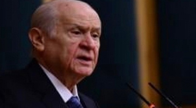 Kocaeli'de Aydın Ünlü'nün MHP İl Başkanlığı görevinden alınıp yerine Yunus Emre Kurt'un il başkanı olması üzerine ilçe başkanları istifa etmeye başladı. ÖzgürKocaeli'de yer alan habere göre, istifasını duyuran isimlerden biri MHP İzmit İlçe Başkanı Ahmet Yalçınöz oldu. Yalçınöz sosyal medya hesabından yaptığı paylaşımla görevden istifa ettiğini açıkladı.