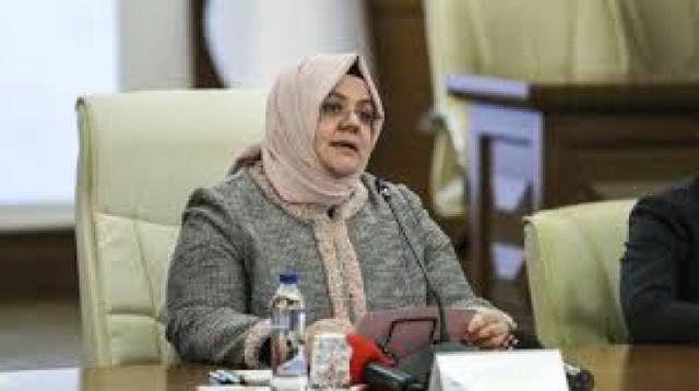 Aile, Çalışma ve Sosyal Hizmetler Bakanı Zehra Zümrüt Selçuk, Hürriyet Gazetesi'ne röportaj verdi. Cumhurbaşkanı'nın açıkladığı jest konusu da netleşti.. İşte ayrıntılar
