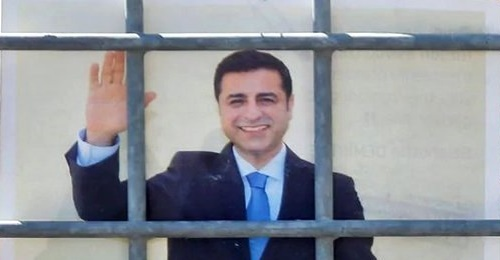 Son dakika: Selahattin Demirtaş, HDP'ye kapıları kapattı..