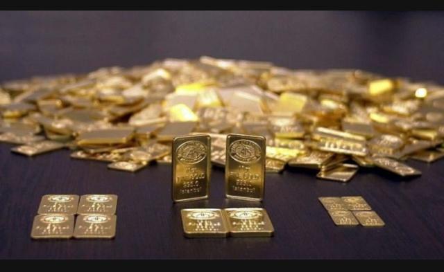 """TMSF Başkanı açıkladı! Altın müjdesi geliyor… Tasarruf Mevduatı Sigorta Fonu (TMSF) Başkanı Muhiddin Gülal, Koza Altın'la ilgili ellerinde 200'ün üzerinde ruhsat olduğunu, ciddi bir sondaj çalışmasına başladıklarını belirterek, """"Rahatlıkla söyleyebilirim ki çalışmalarımız olumlu. Türkiye'nin muhtelif yerlerinde rezervimiz var. Madende işler biraz ağır gidiyor. Geçen yıl itibarıyla 11 ton ürettik, bunu birkaç yıl içinde 15 tona çıkarmanın hesaplarını yapıyoruz. 37 farklı noktada sondaj çalışması yapıyoruz. Kuyularımız açıldı. Bu ara ülkemize müjdeler geliyor, biz de altında müjdeler verebiliriz."""" dedi."""