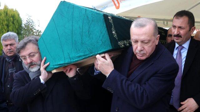 """Erdoğan """"Abimiz"""" Dediği Kişiyi Bugün Toprağa Verdi: Peki O Kişi Kim?"""