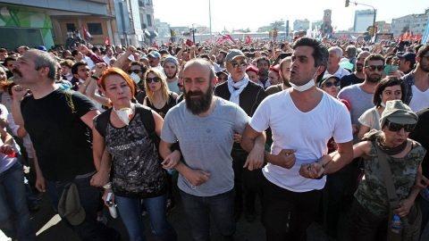Memet Ali Alabora'nın eşi Pınar Öğün, Gezi Davası'ndaki beraat kararlarının ardından sosyal medya hesabından çarpıcı bir mesaj paylaştı.