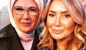Şarkıcı Yonca Evcimik, Emine Erdoğan ile bir araya geldi. Evcimik, verdiği desteklerden dolayı Emine Erdoğan'a teşekkür etti.