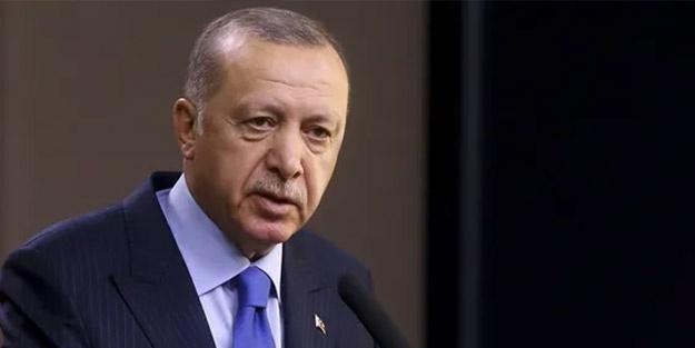 """BÜYÜK KAVGA & SAKLI GERÇEKLER (Bilmek en ağır yüktür) 4 Şubat 2010'da Erdoğan şunları demişti: """"Birçok şey yaşadım. Bunları gereken yerlere paylaştım. Ama yaşadıklarımı anlatırsam ülkem bunu henüz kaldıramaz"""" Peki ne yaşamıştı o tarihlerde? Safları sıklaştırın ve dikkatli okuyun dostlar. Anlatacaklarım komplo teorisi değil."""
