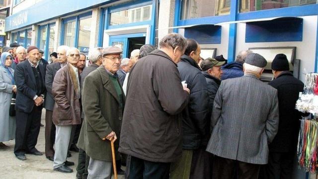 Emeklilerin alacakları maaş promosyonların ilişkin olarak SGK ve Ziraat Bankası arasında anlaşma sağlandı.