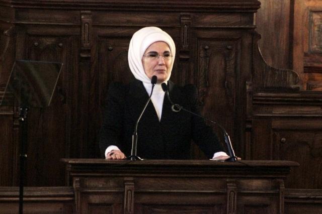 Emine Erdoğan 'dan Dilek İmamoğlu'na Mektup.. Ayrıntılar Haberin Devamındadır.