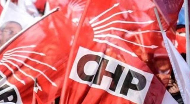 Geçen gün 3 milletvekili parti politikalarından rahatsız oldukları yönünde CHP Genel Başkanı Kemal Kılıçdaroğlu'na mektup yazdıktan sonra istifa ettiklerini duyurdu. 3 vekilin Muharrem İnce'nin partisine geçeceği öne sürülürken, Yalova teşkilatından da 350 kişi CHP'den istifa etti.CHP İzmir Milletvekili Mehmet Ali Çelebi,
