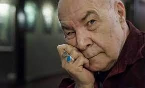 """MFÖ Grubu'nun solisti Mazhar Ala/nson'un ilk eşi Hale Alanson hayatını kaybetti. Sosyal medya hesabından acı haberi duyuran Alanson, """"ilk eşim hakkın rahmetine kavuştu. Ben ve çocukların büyük üzüntü içindeyiz"""" dedi.Mazhar Alanson ile 1972-2002 yılları arasında evli kalan Ankara"""