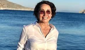 Türkiye'nin dünya çapındaki sanatçılarından Selma Gürbüz 61 yaşında yaşamını yitirdi. Sanatçının vefatını İstanbul Modern'in yanı sıra çeşitli sanat kurumları sosyal medya hesaplarından duyurdu. SERGİSİ DEVAM EDERKEN KAYBETMENİN HÜZNÜNÜ YAŞIYORUZ İstanbul Modern'in ressam ve heykeltraş,