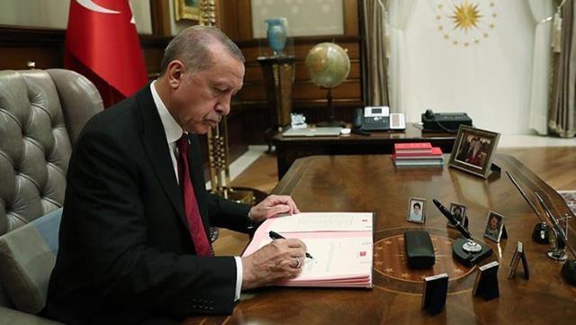 Cumhurbaşkanı Recep Tayyip Erdoğan, Afganistan gündemiyle toplanacak G20 Olağanüstü Liderler Zirvesi'ne video konferans yöntemiyle katıldı.Erdoğan'ın açıklamalarından satır başları:G20'yi dünyamızın karşı karşıya kaldığı meydan okumalar karşısında temel işbirliği platformu olarak görüyorum. Afganistan'da yaşanan gelişmelerin siyasi ve insani boyutunun yanı sıra ekonomik ve finansal yansımaları da oluyor.