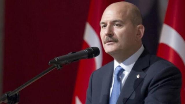 İçişleri Bakanımız Süleyman Soylu, Cumhuriyet Halk P'artisi Genel Başkanı Kılıçdaroğlu'nun  i'ddiasına karşı ben İçişleri Bakanıyım sordum böyle bir s'iyasi c. istihbaratı var mı yok. Bu k'esinlikle bir F'etö t'aktiğidir ifadelerini kullandı Türkiye Kılıçdaroğlunun s'iyasi S'uikastler olacak y'alanını konuşuyor Soylu'dan açıklama geldi Kılıçdaroğlu'nun en son bu y'alanı söyledikten birkaç ay sonra h'ain D'arbe kalkışmasının olduğunu dile getiren Süleyman soylu Kılıçdaroğluna z'ehir z'emberek sözlerle yüklendi