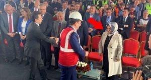 AK Partili Başkanın İmamoğlu'na Yaptığı Hareket Çok Konuşuldu