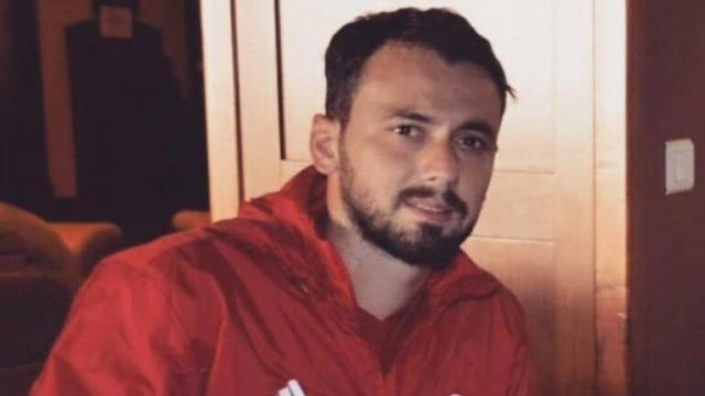 Ünlü Futbolcumuz Trafik Kazasında Hayatını Kaybetti.Ayrıntılar Haberin Detayındadır…