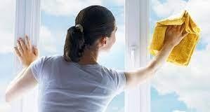 Cam silerken parlak olması için bu püf noktayı biliyor musun