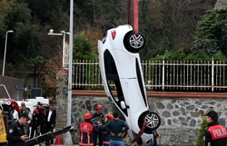 Aracını denize atıp taksiye binip gitti!